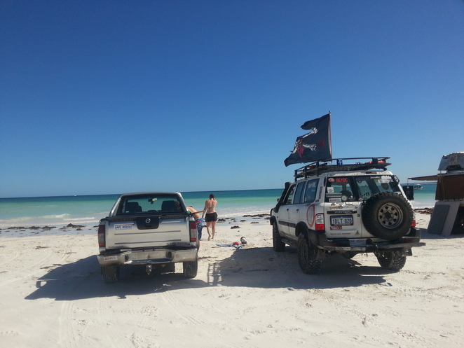 4wd, 4x4, clean up, rubbish, illegal, dumping, two rocks, beach, wilbinga, wedge island