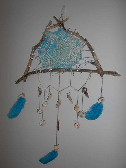 craft, how to make a driftwood dream catcher, driftwood, dream catcher,