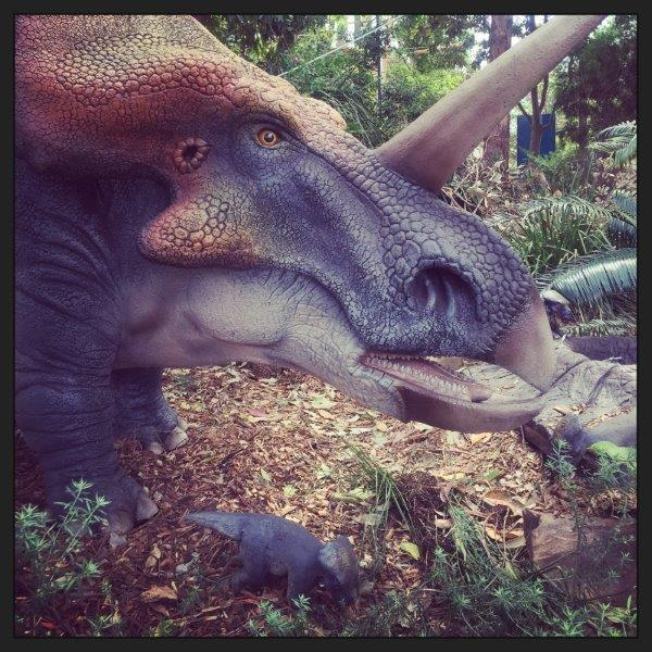 C:UsersWilliamPictures�4_11_06 Taronga Zoo with dinosaurssmaller