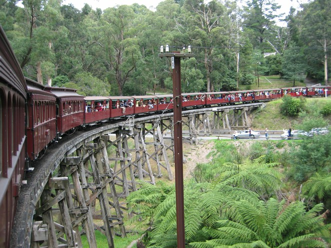 monbulk creek bridge, puffing billy, trestle bridge, heritage railway, puffing billy railway, selby rail bridge,