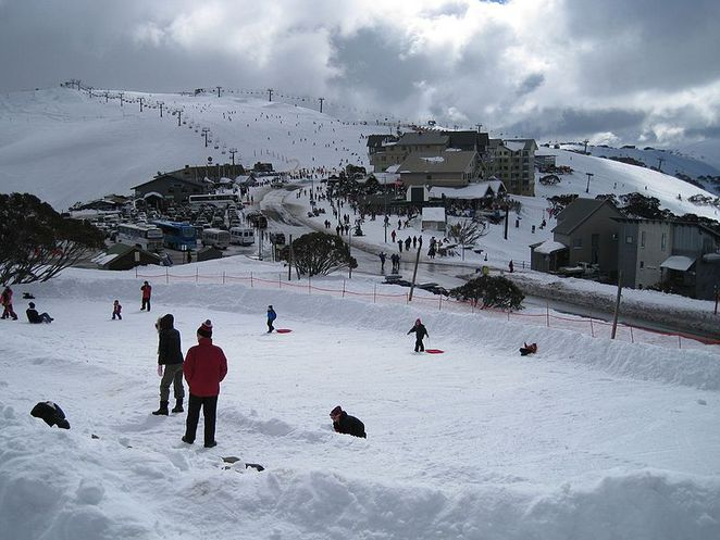 victoria,snow,fields,cheap,inexpensive,budget,snow,holiday,skiing,boarding,toboggan,melbourne,close