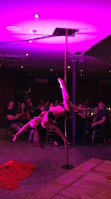 Naught to Naughty Cabaret, pole dancing