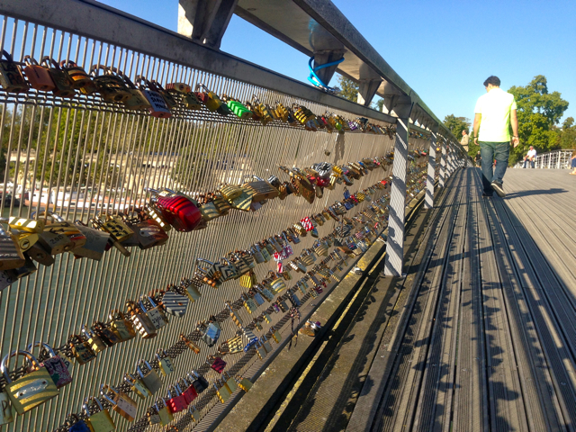 paris,france,view,lock,love,bridge,french,tourist,beauty