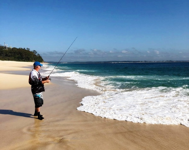 shoal bay, fishing, nelson bay, port stephens, things to do in shoal bay, beach fishing, NSW, cafes, swimming, fishing spots, snorkelling, kayaking, SUP, hire, tomaree head summit walk,