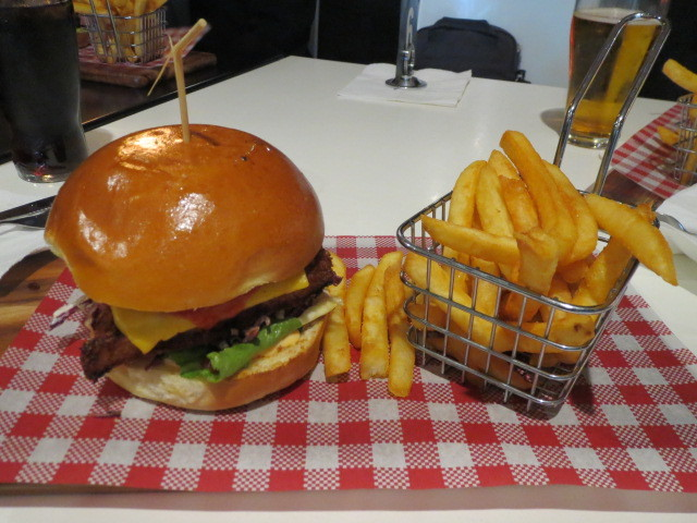 The Bunker Sports Bar and Grill, Schnitzel Burger, Adelaide