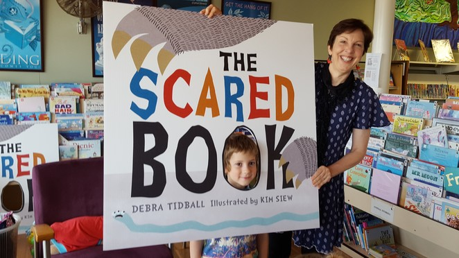 The Scared Book, Debra Tidball, Kim Siew, Lothian Children's Books, Hachette, picture book, junior fiction, pre-school readers, childhood anxiety, Australian author, book review, children's book review, monsters, Lesley Gibbes, Scary Night, Stephen Michael King