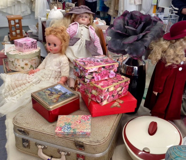 Vinnies Op Shop, preloved clothing, used furniture, household goods, second hand goods, bric-a-brac, toys, books, electrical items, collectables, Murwillumbah