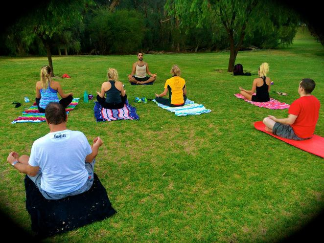 anthony's free yoga, free, yoga, south perth, sir james mitchell park, headstand, downward dog, anthony papalia, stretch, foreshore yoga