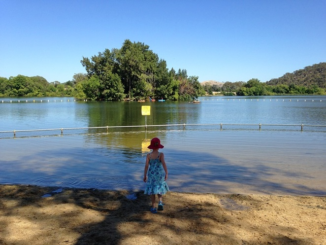 black mountain peninsula, playground, canberra, ACT, BBQ areas, picnic spots, lake burley griffin,