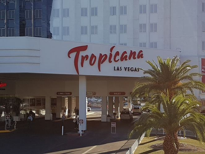 tropicana, tropicana hotel and casino, las vegas hotels, chiillm cocktail bar tropicana, las vegas boulevard, cocktails bars in vegas, where to drink in vegas, las vegas nevada