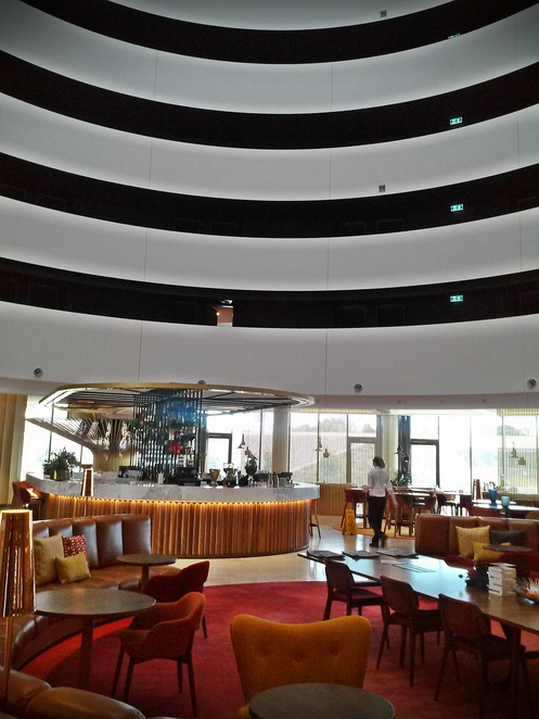 vibe hotel, canberra, canberra airport, ACT, fireplace, hotel, frank lloyd wright,