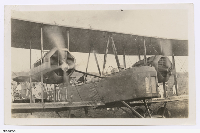 Vickers Vimy G-EAOU