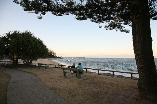 Photo of Moffat Beach courtesy of Bert Knottenbeld and Flickr