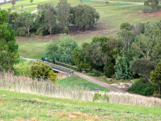Broadmeadows Valley Park Melbourne bike trail