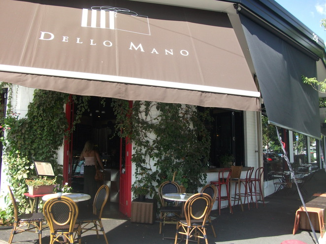 dello mano, coffee, luxury cakes, brownies, cafe, new farm