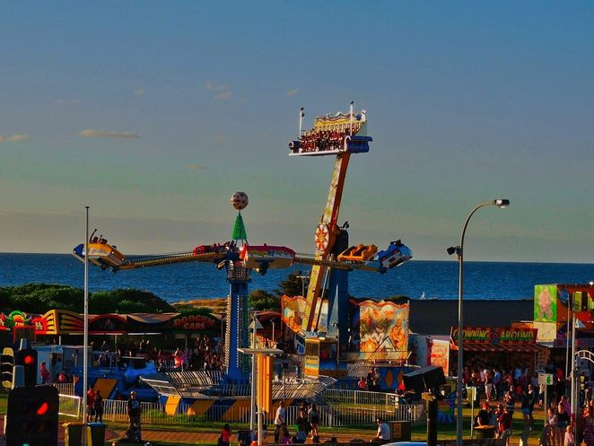 free things to do in adelaide, whats on in adelaide, activities for kids, fun for kids , markets in adelaide, christmas pageant, fun things to do, adelaide showgrounds, walks, semaphore amusement park