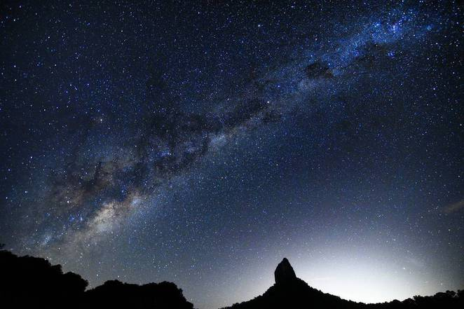 Glasshouse Mountains milky way stars