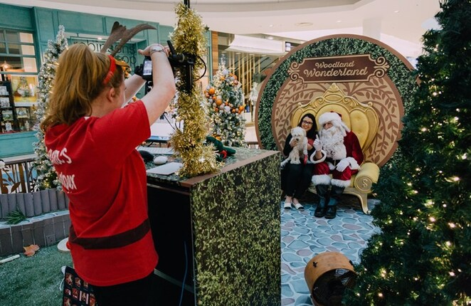 Northlands Shopping Centre Pats with Santa pet photography Christmas at Northlands