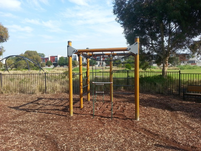 Seabank Estate, Seabanks, Seabank Drive, Barwon Heads, Park, Playground, Bellarine Playgrounds, swings, see-saw, slide, climbing frame,