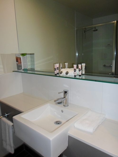 travelodge docklands, travelodge melbourne hotel, hotels melbourne, cheap hotels melbourne, melbourne cheap accommodation