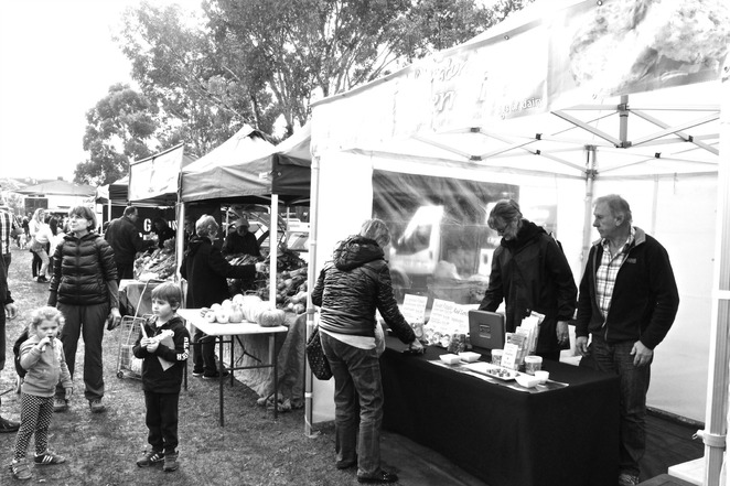 vbk, vbk foods, caulfield markets, in season farmers markets, farmers markets, vegetarian, vegieburger, braeside