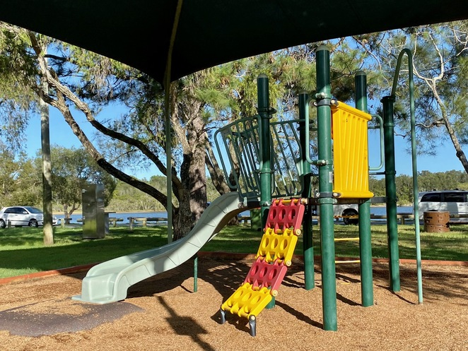 A small playground to the east of Winders Park near to some picnic tables
