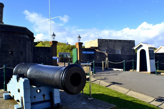 WWII, gun, cannon, fort scratchley, newcastle, museum
