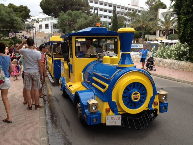 Cala D'or, mini train, transport, getting around, kids, majorca