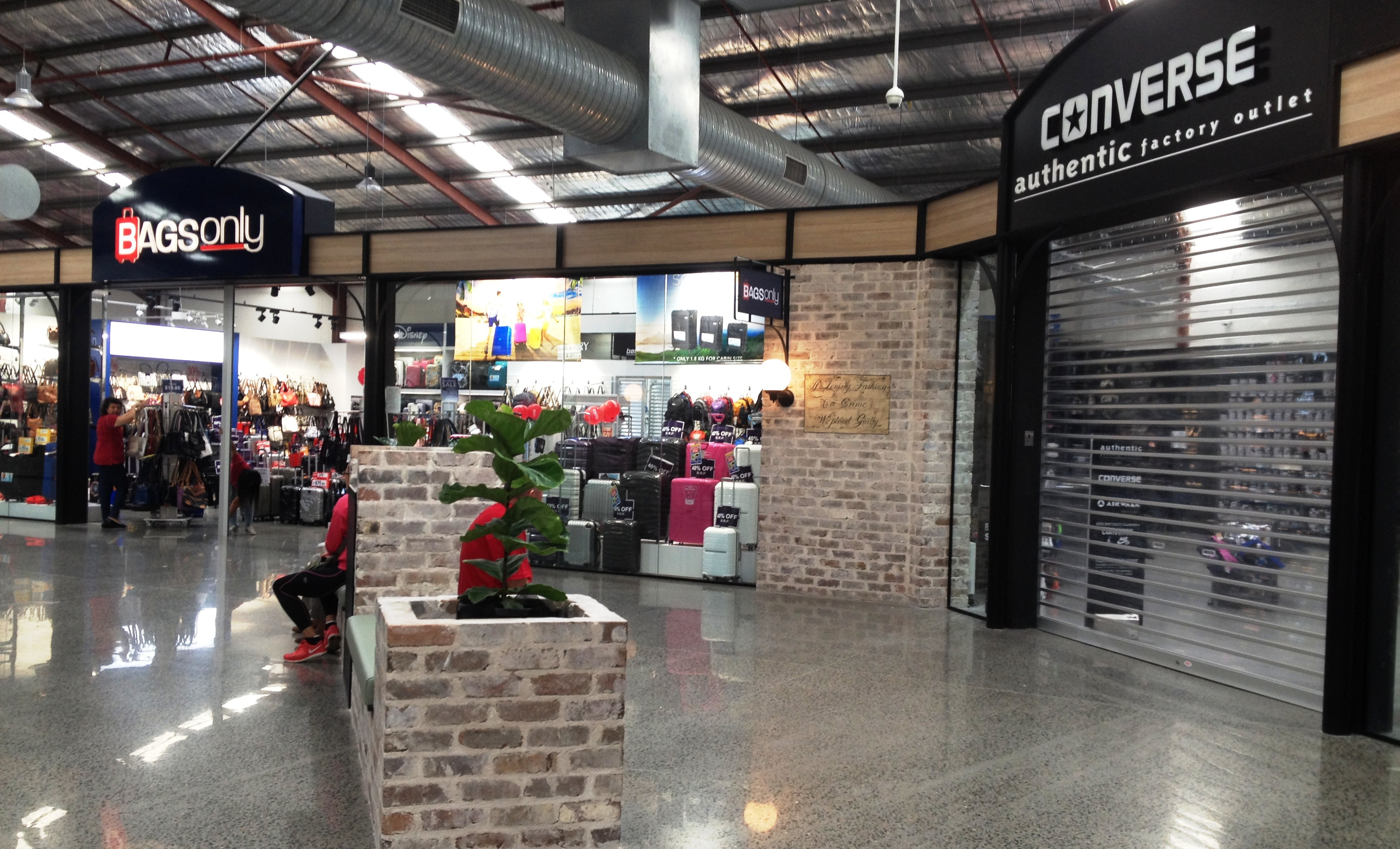 10 Cheapest Shopping Places In Melbourne That Will Not Cramp Direct fashion outlets melbourne
