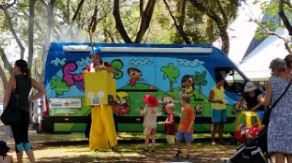 Fun Bus, Darwin, children activity, free, Christmas party