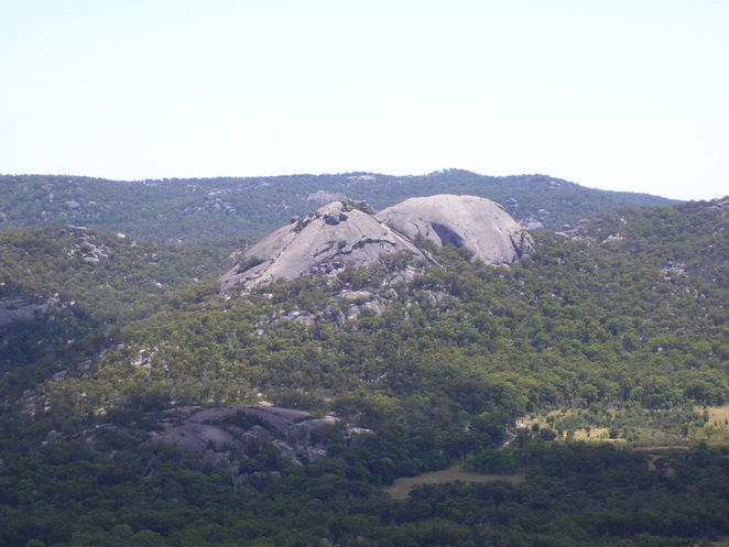 Photo of the Girraween Pyramid courtesy of Wikipedia (Diceman)