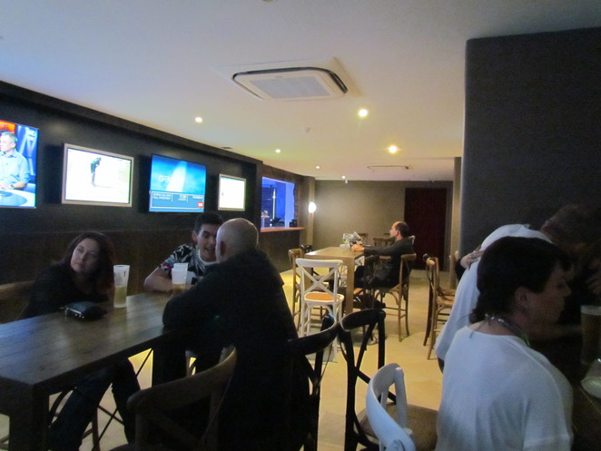 Howl at the Moon, piano bar, Surfers Paradise, karaoke, day beds, tapas, Guy Grossi, breakfast, lunch, dinner, sports bar, entertainment, baby grand, live music, alfresco dining
