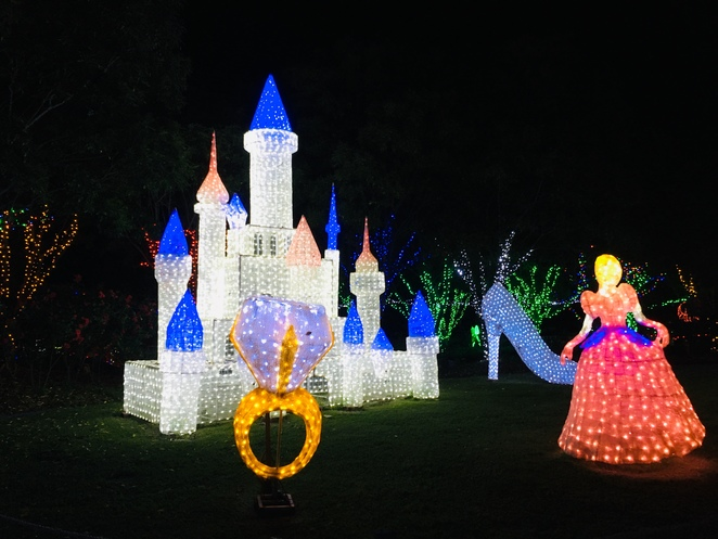 hunter valley gardens, christmas lights spectacular