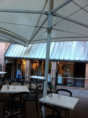 Bakers Oven Cafe has an outdoor courtyard