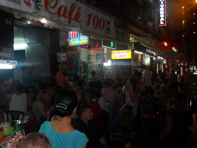 Pham Ngu Lao,Beer,Cafe 100,Bars in Vietnam