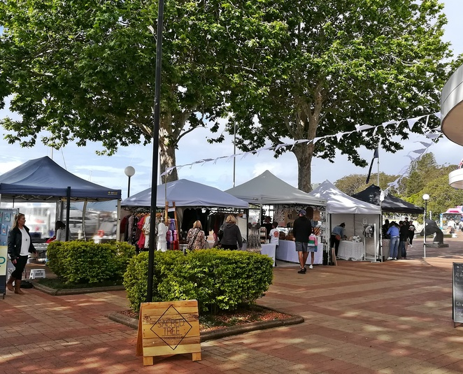 sacred tree markets, nelson bay, port stephens, whats on, things to do, d'albora marinas, events, fireworks, fish feeding, restaurants, cafes, shops, things to do, new years eve,