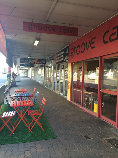annerley, best street in town, yarn bombing, vintage, antiques, coffee shops, groove cafe