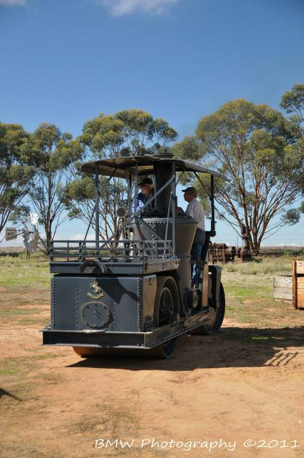 booleroo centre, booleroo centre attractions, booleroo centre sheep races, booleroo steam and traction rally, booleroo steam and traction museum, fun things to do, booleroo, activities for kids, sheep races, get taken for a ride