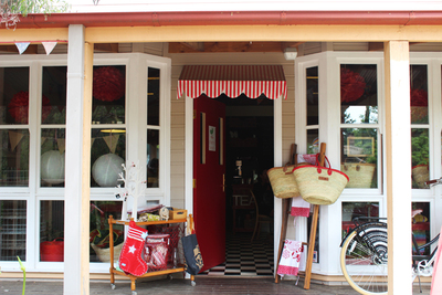 cherry seed, cupcakes, canberra's best cupcakes, ginninderra village, i am norma, vintage caravan