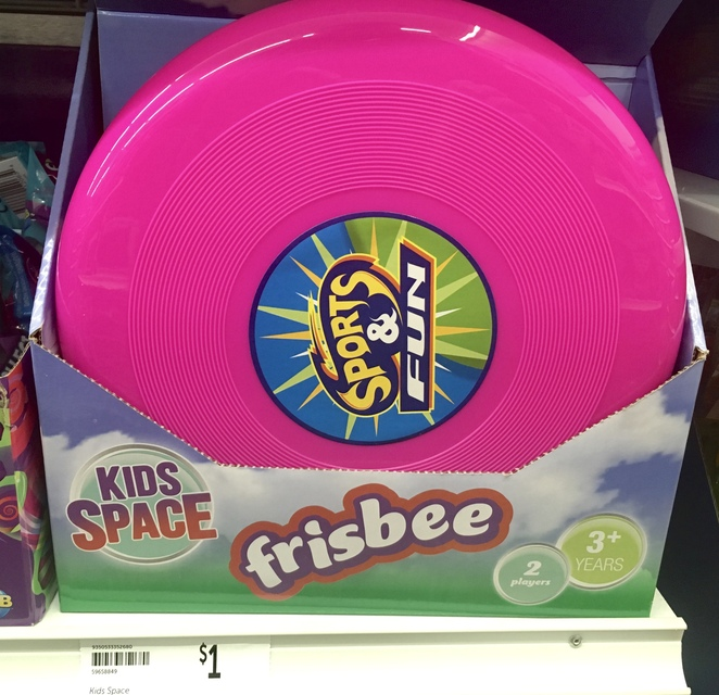 Frisbee, cheap frisbee, cheap Christmas gifts, Kris Kringle, bargain Christmas presents for kids, cheap kids toys, budget Christmas ideas, image by Jade Jackson.