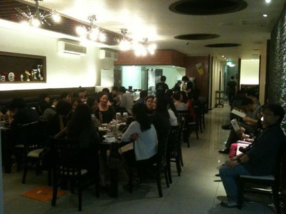 Madtongsan II: The larger dining area is often full