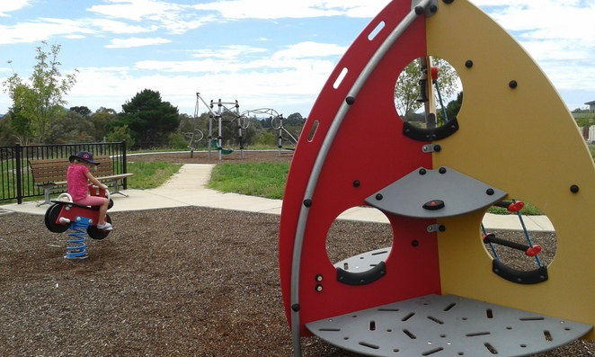 mcconchie circuit, weston creek, playgrounds, parks, weston creek, canberra, ACT, toddler parks, toddler playgrounds, toddler,