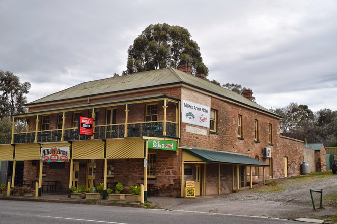 Nairne Murals, Nairne Historic Walk, Chapmans Smallgoods Factory, Timmins Tannery, Matthew Smillie, Millers Arms Hotel, District Hotel