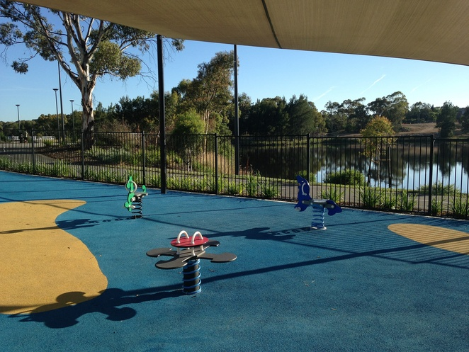 ninna farrer park, south quay, canberra, ACT, lake tuggeranong, playgrounds, parks, bike paths, bunnings,