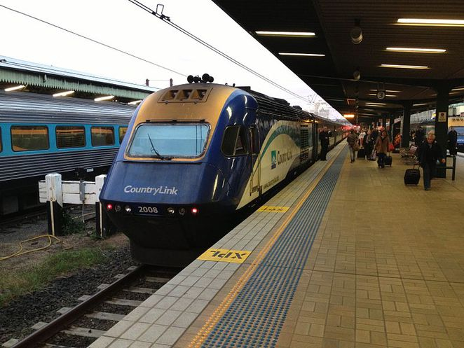 NSW TrainLink XPT, in CountryLink livery, at Central Station