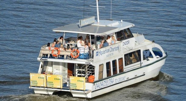 Photo of the River Tour Cafe boat courtesy of Aquarius Cruises