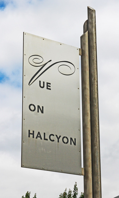 Vue on Halcyon sign