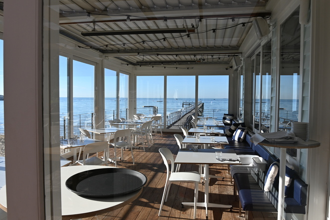 Alfresco dining as well as Indoor - perfect for any weather