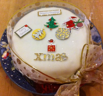 Feeding A Christmas Cake Without Alcohol