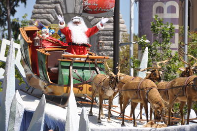 christmas, what is christmas, christmas pageants, xmas pageant, pageant adelaide, the christmas pageant, credit union of south australia, christmas adelaide, festival lights, in adelaide